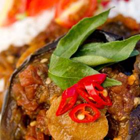 how to make sri lankan brinjal curry