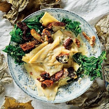 gamma completa di specifiche Buoni prezzi reputazione affidabile Creamy Gorgonzola fazzoletti pasta with porcini   Woolworths ...